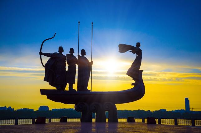 Памятник основателям Киева